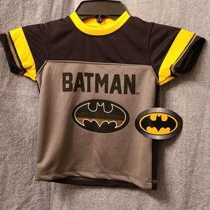 Batman Logo T-Shirt Boys Size 2 Short Sleeve NWT